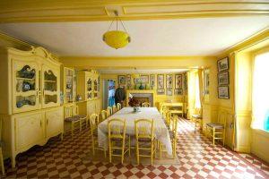 Claude Monet'nin sarı yemek odası