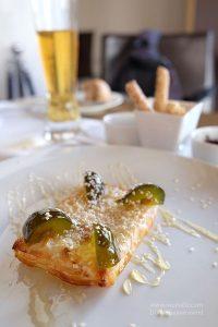 Ballı susamlı kızarmış feta peyniri, Yunanistan