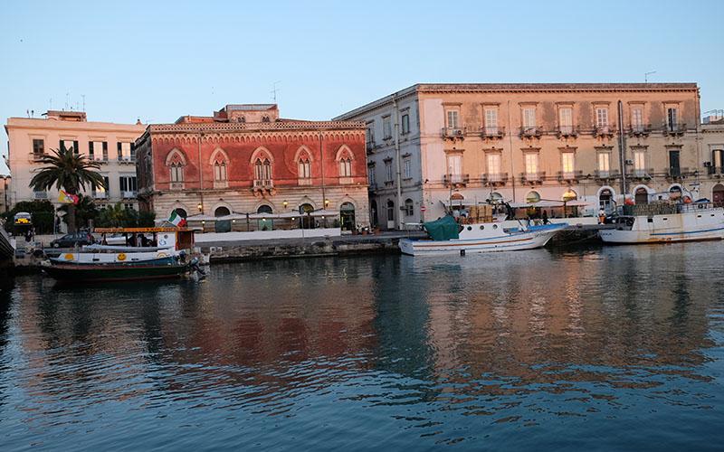 Sirakuza-Sicilya